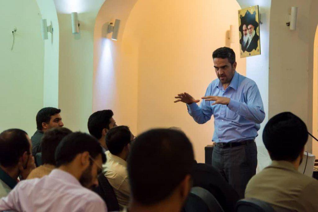 استاد دکتر رسول بخشی اقتصاد دانشگاه اصفهان - متا - بورس و بانک