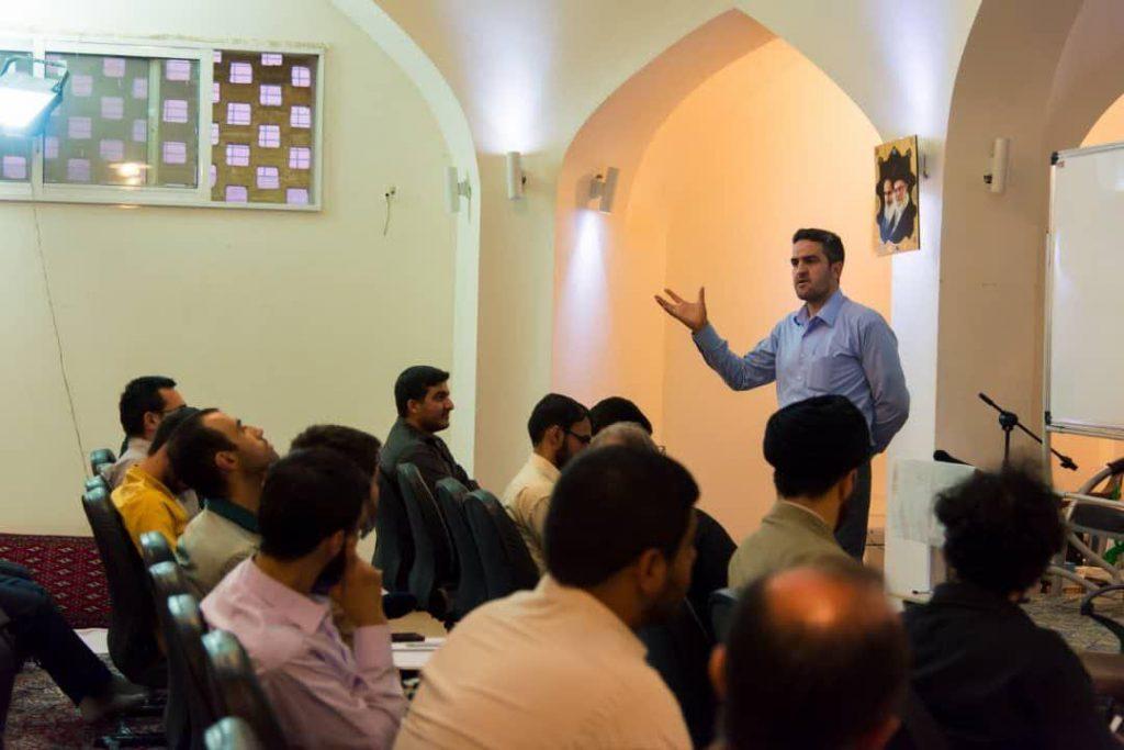 استاد دکتر رسول بخشی اقتصاد دانشگاه اصفهان - مدیر گروه اقتصاد
